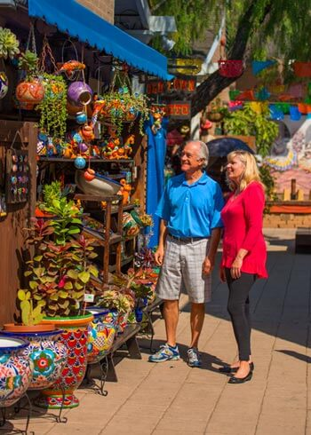 Image of couple shopping in Old Town San Diego