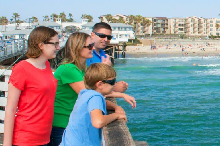Image of kids on the pier in San Diego